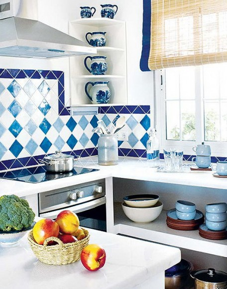 3-tile-with-blue-squares