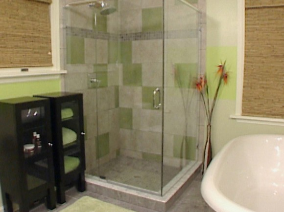bathroom-ideas-for-small-bathrooms-inspiring-with-images-of-bathroom-ideas-interior-fresh-on-design_LZDIRaW5ob21lYXVwYWlyLmNvbS93cC1jb250ZW50L3VwbG9hZHMvMjAxNS8xMQ%253D%253D_LZD