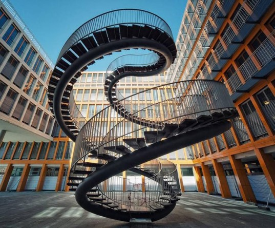 12-munich-courtyard-stairs-537x444