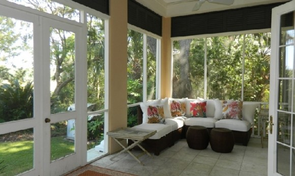 9-screened-porch-furniture