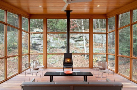 cedar-porch-house-transforms-peripheral-element-into-focal-point-2